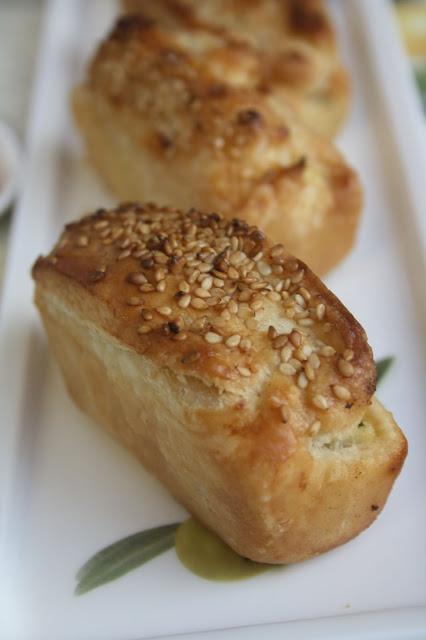 Plumcake salati con crema di carciofi e ricotta